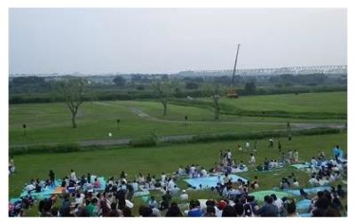 利根川大花火大会河川敷01