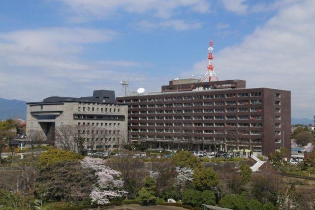 三重県庁駐車場