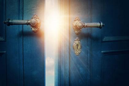 扉の向こうアイキャッチ